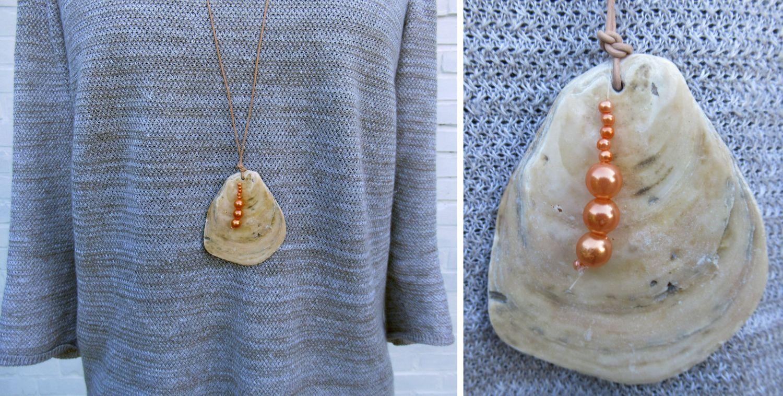 Große flache Muschel als Halskette, mit Perlen kombiniert