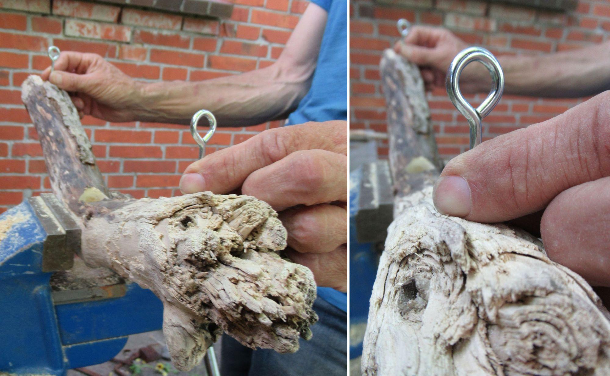 Metallösen zum Aufhängen einer Vase im Treibholz