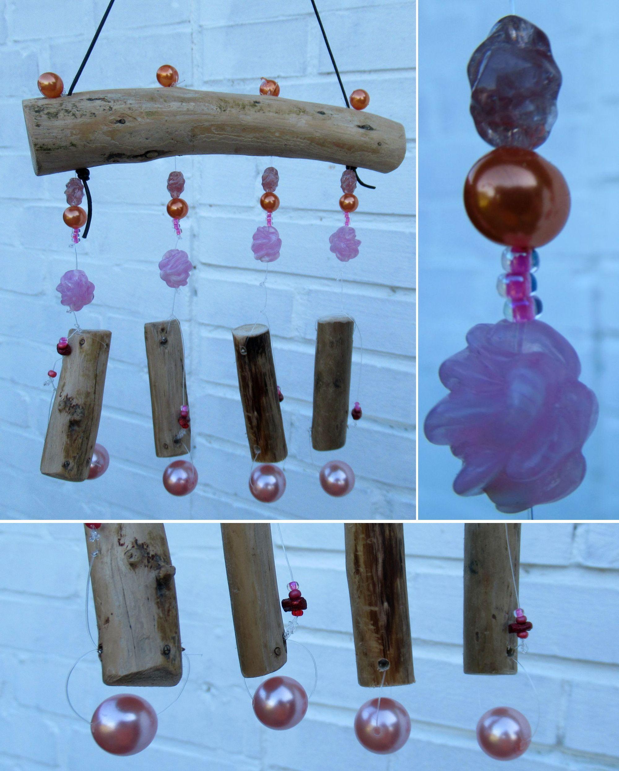 Mobile mit Treibholz und rosa Perlen
