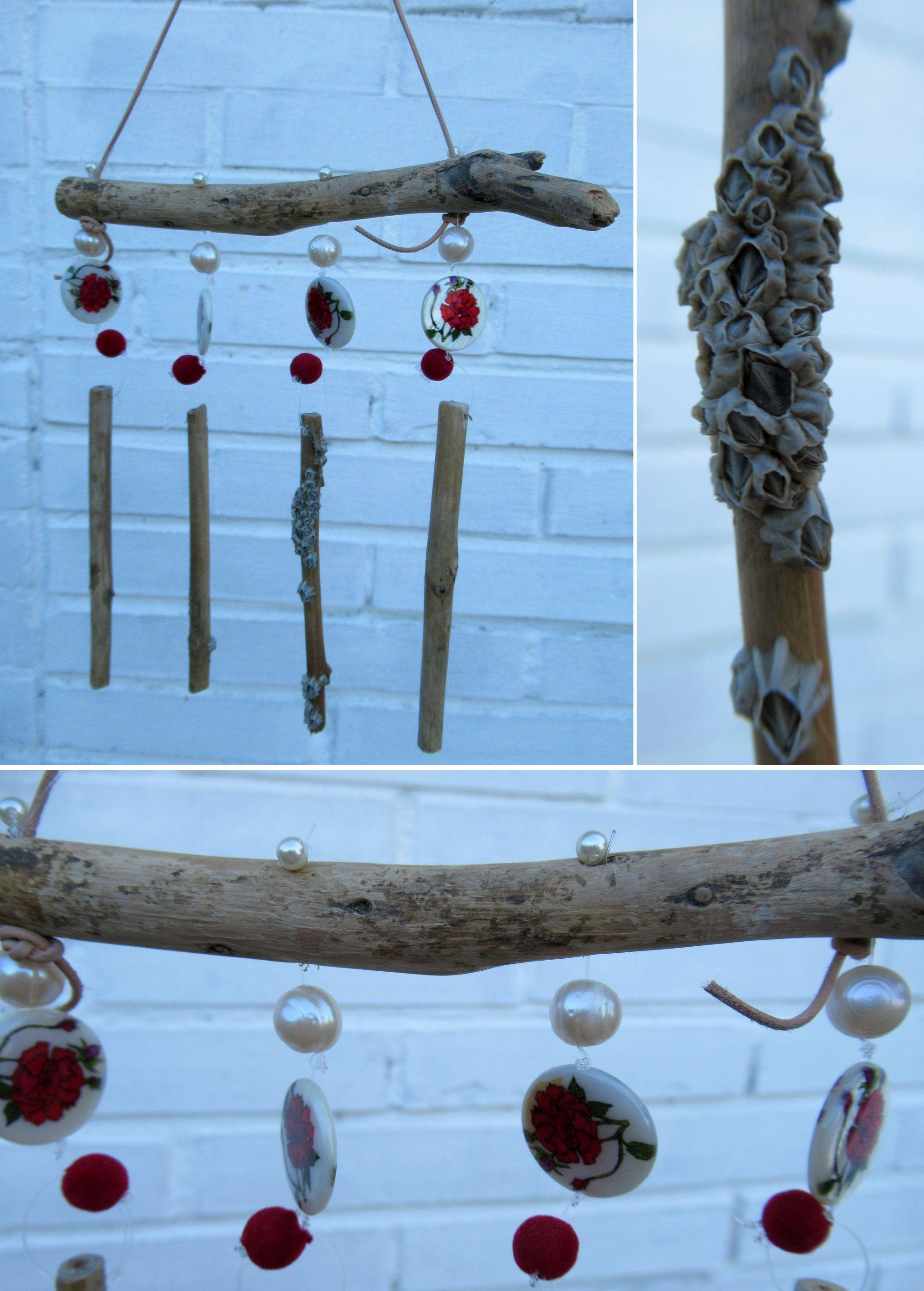 Windspiel mit Treibholz und rot weissen Perlen zum Selbermachen